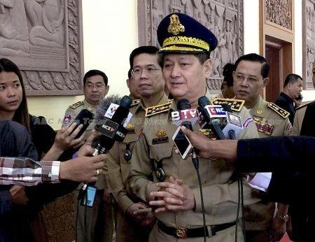 Cambodia-Immigration-Sok-P%E0%B9%89hal-4